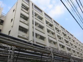 解体される既存の建物