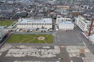 北側の富士通川崎工場の敷地