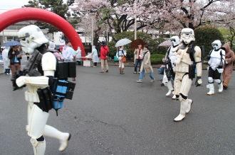 富士通川崎工場手話部の「帝国軍の兵士」