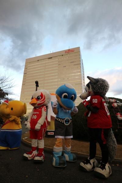 富士通のキャラクターらが集合