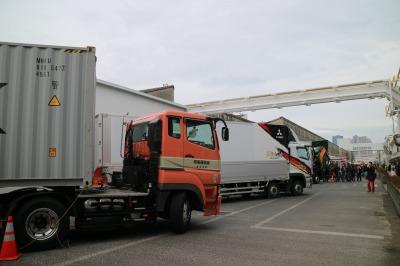 トラック・特殊車両の展示