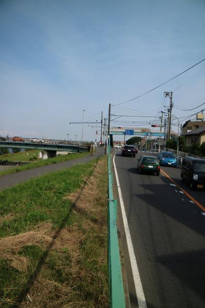 多摩沿線道路とガス橋の平面交差