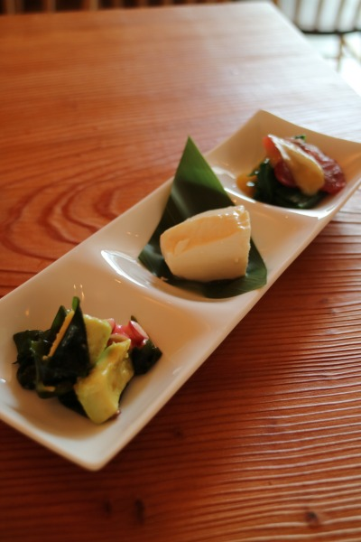 前菜3種「タコとアボカドのマリネ」「手作り豆腐」「マグロのぬた」