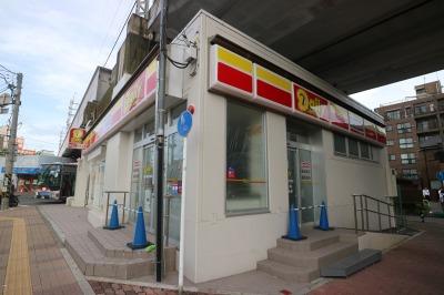 休店が続く「デイリーヤマザキ川崎中原区役所前店」