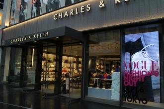 「CHARLES & KEITH(チャールズ&キース)」原宿本店