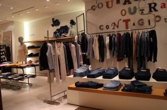 バーニーズニューヨーク銀座店の「AG jeans」取扱いエリア