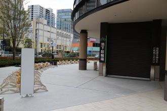 建物周辺の屋外駐輪場(中原消防署前交差点側)