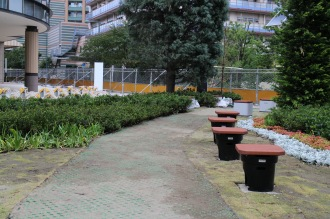 「グランツリー武蔵小杉」周辺の歩道やオープンスペース