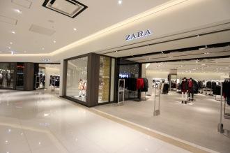 ファストファッションのキーテナント「ZARA」