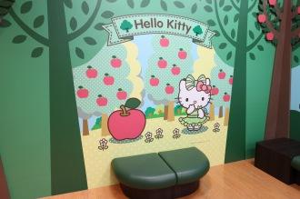 キティちゃんとりんごのソファ