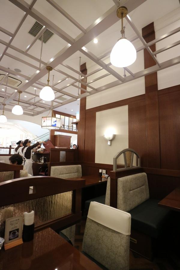 「椿屋カフェ」の店内