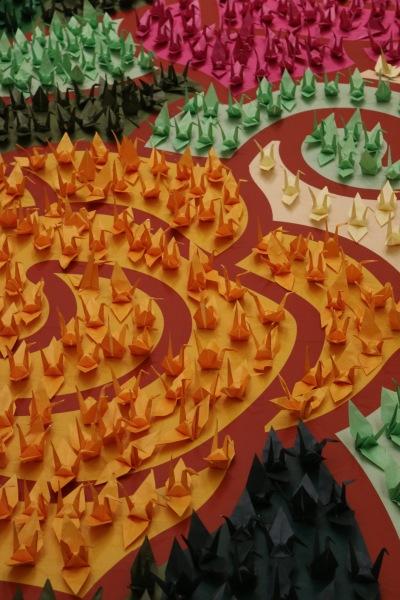 グランツリー武蔵小杉の折り鶴アート