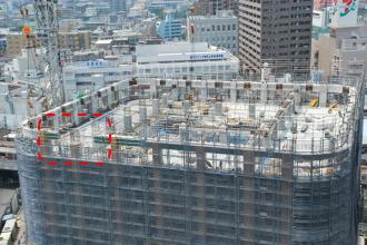 建設中のグランドウイングタワー