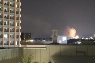 中原図書館6階からの神奈川新聞花火大会