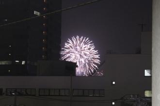 武蔵中原駅から見る川崎市制記念多摩川花火大会
