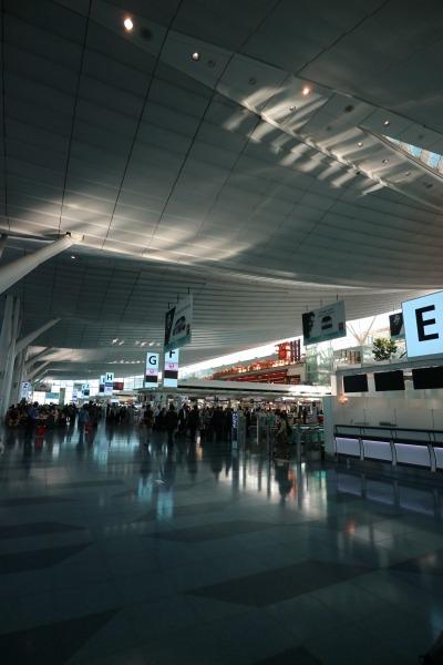 国際線ターミナルのロビー