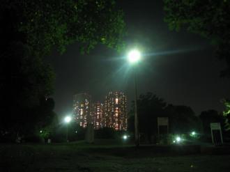 夜間の中原平和公園