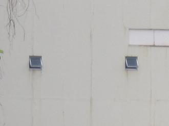 中小企業婦人会館の開放された窓2