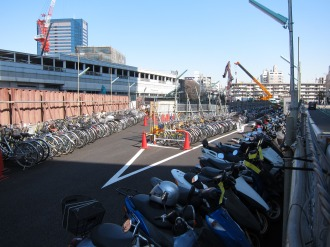 武蔵小杉駅南口地区東街区の駐輪場