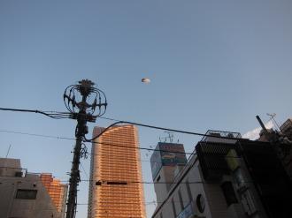 東街区上空の飛行船