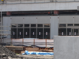 東急武蔵小杉駅1階の窓