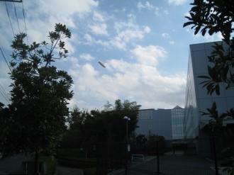 キヤノン小杉事業所と飛行船