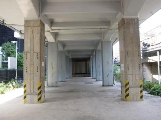 新幹線高架下の現況