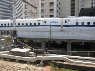 横須賀線ホームから見る保育所建設予定地