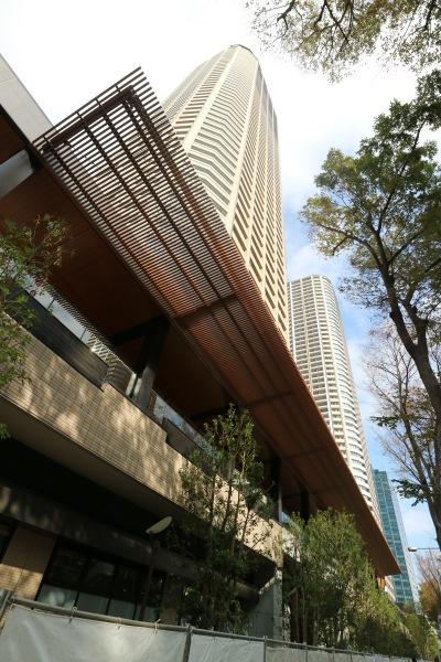 「パークシティ武蔵小杉 ザ ガーデン タワーズウエスト」の商業施設「COSUGI COMMONS」