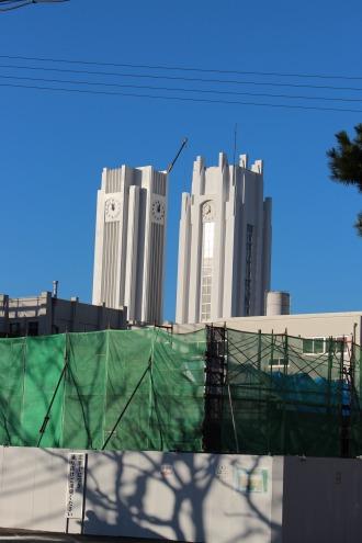 法政二中・高の新旧時計塔