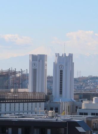 新旧時計塔と、富士山