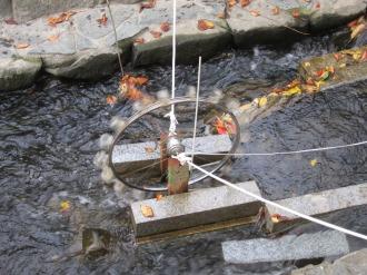 二ヶ領用水のペットボトル水車