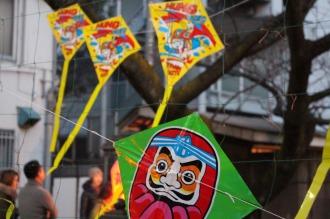 カラフルな連凧