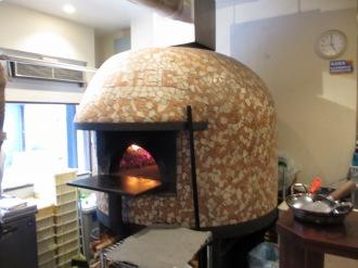 「センプリーチェ」のピッツァ窯