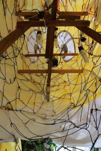 内部の針金ハンガー