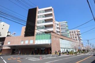 川崎市立井田病院(正面入口から)