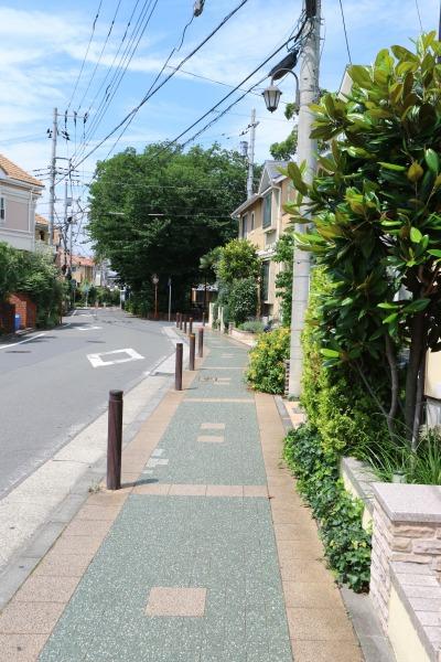 「さくらが丘 Isaac日吉」の歩道
