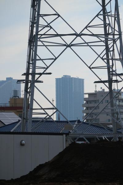 開発地から見える武蔵小杉のタワーマンション