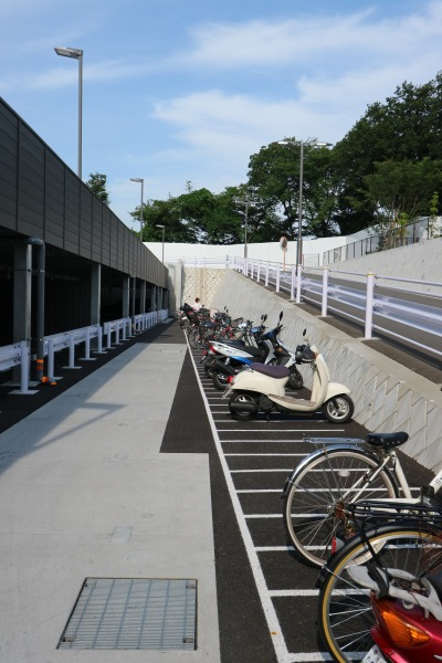 駐車場併設の駐輪スペース