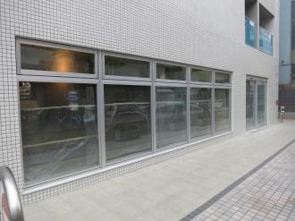 川崎新丸子郵便局が入る1階区画