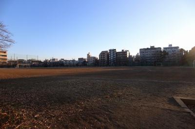日本医科大学新丸子キャンパスのグラウンド