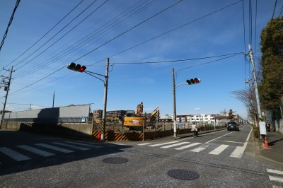 仮囲が大部分撤去された新丸子キャンパス跡地