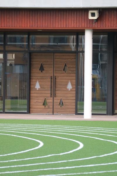 校舎の入口