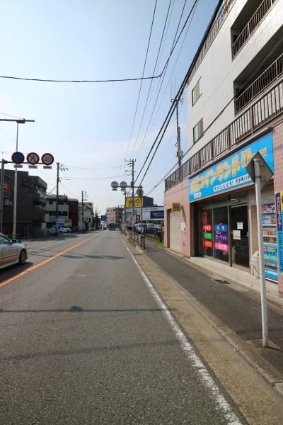 尻手黒川道路沿いの店舗