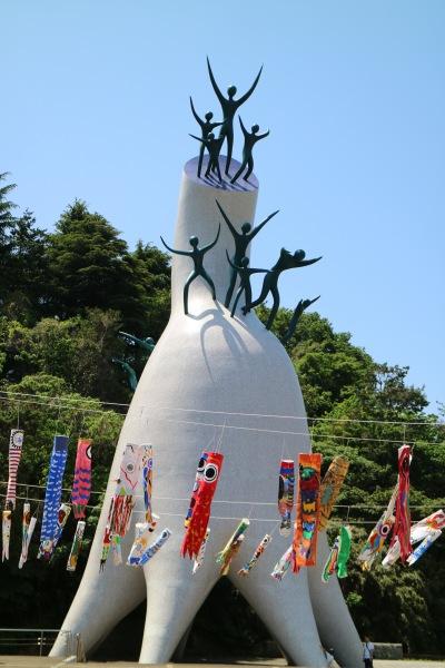 シンボルタワー「母の塔」
