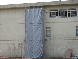 隣接校舎の工事