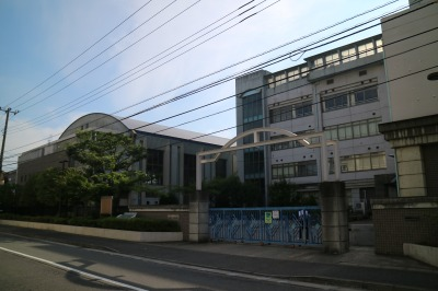 川崎市立今井中学校の校舎