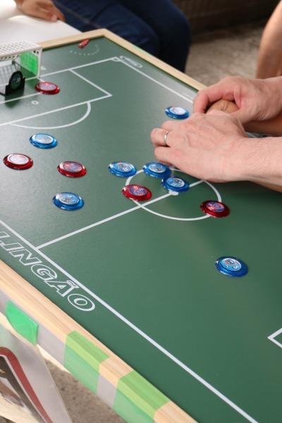 ブラジルのボードゲーム「フットメザ」