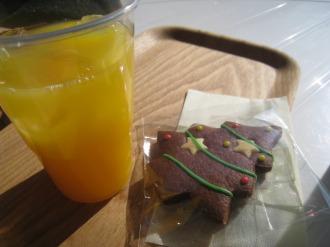 ドリンクとクッキー