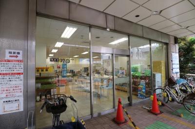 1階の「ハッピードア」跡地の銘店コーナー